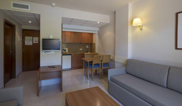 Apartamento ( 2 adultos+2 niños)