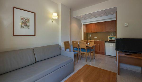 Apartamento ( 2 adultos+ 3 niños)