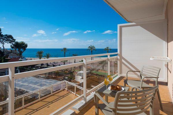 Habitació familiar vista mar (3 adults + 1 nen)